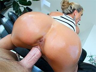 Brandi love takes it in the ass