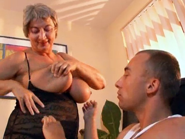 Older Woman Young Guy Amateur