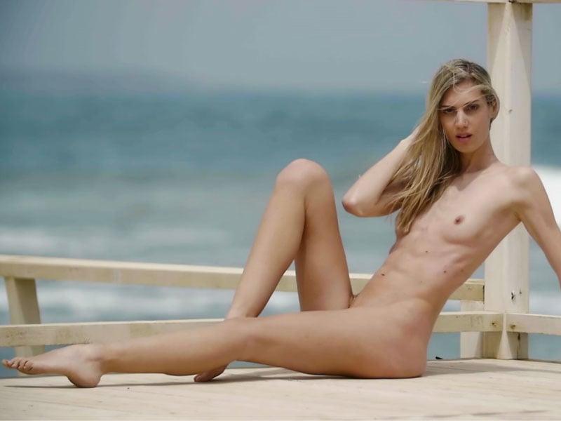 Nackt blondie German videos